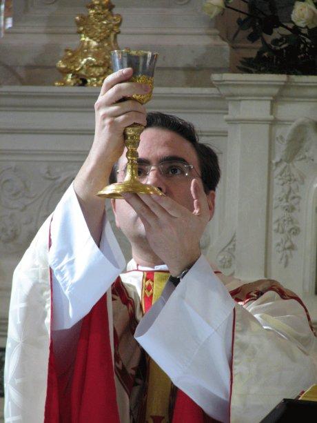 sacerdote_all_elevazione